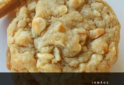 Cookies de chocolate branco e amêndoas